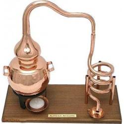Декоративный дистиллятор на 0,5 л на деревянной подставке